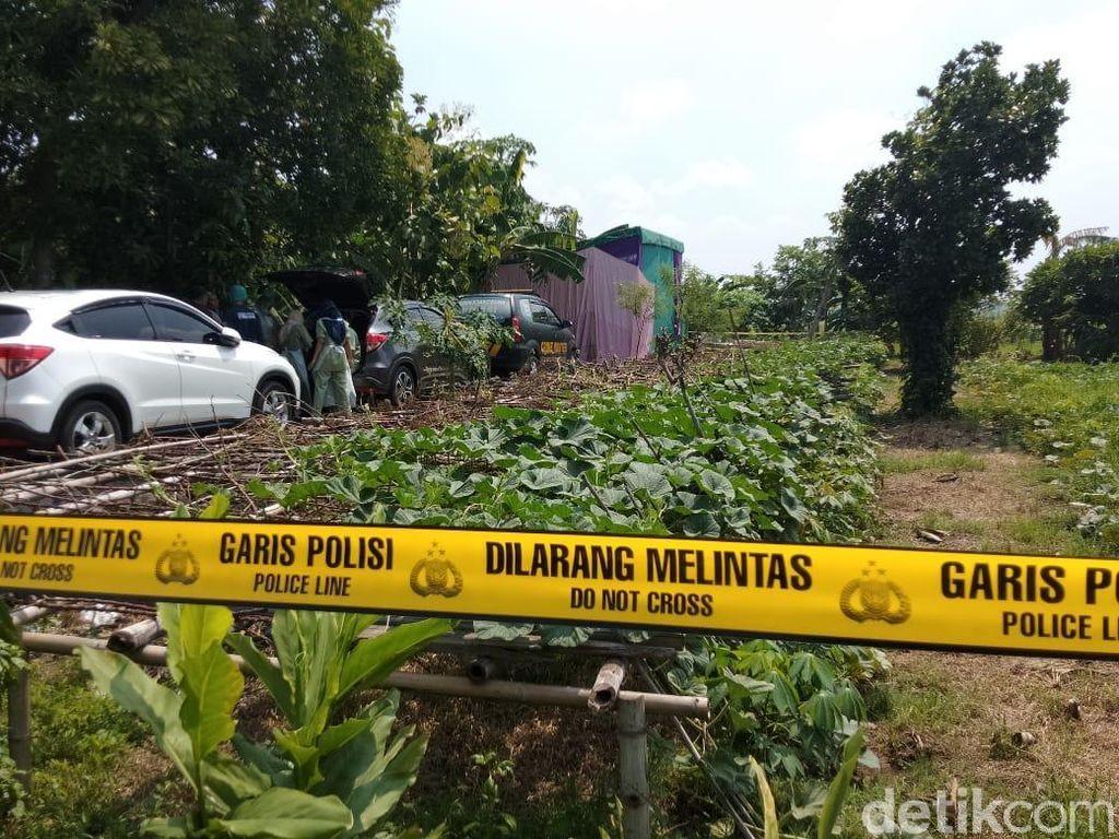 Makam Pemuda yang Tewas Diduga Dikeroyok Dibongkar