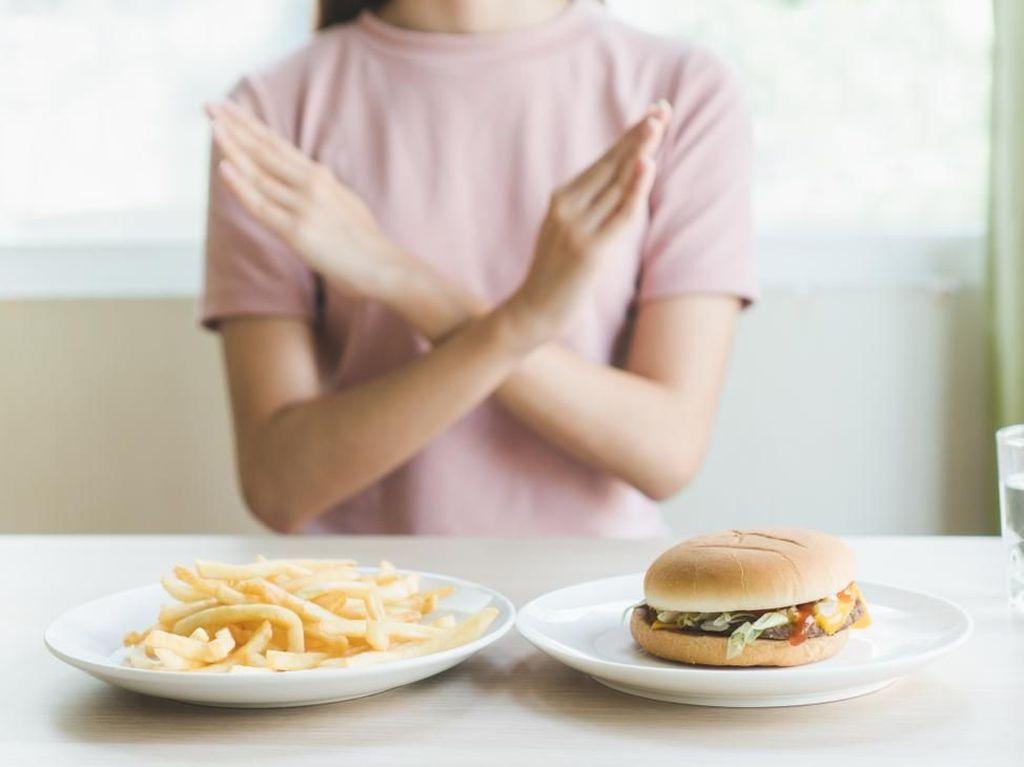 Rahasia Diet Sukses 2020? Ini 5 Makanan yang Wajib Kamu Hindari
