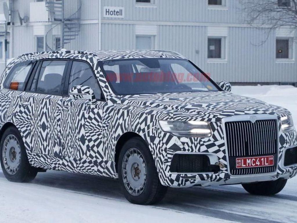 Mobil Vladimir Putin Bakal Ada Versi SUV, Kabarnya Mirip Rolls-Royce