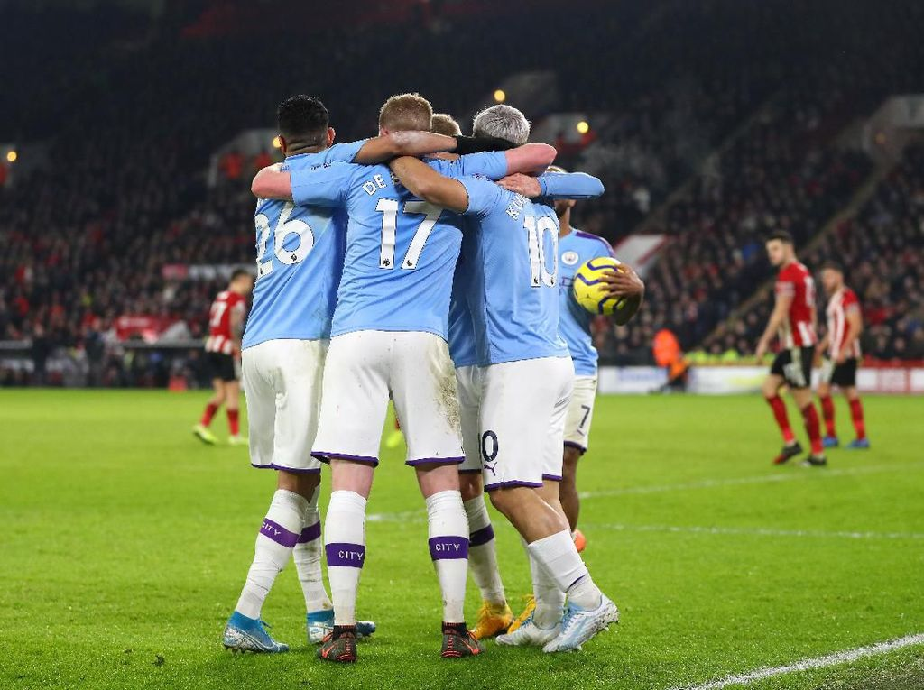 Penampilan Solid Man City