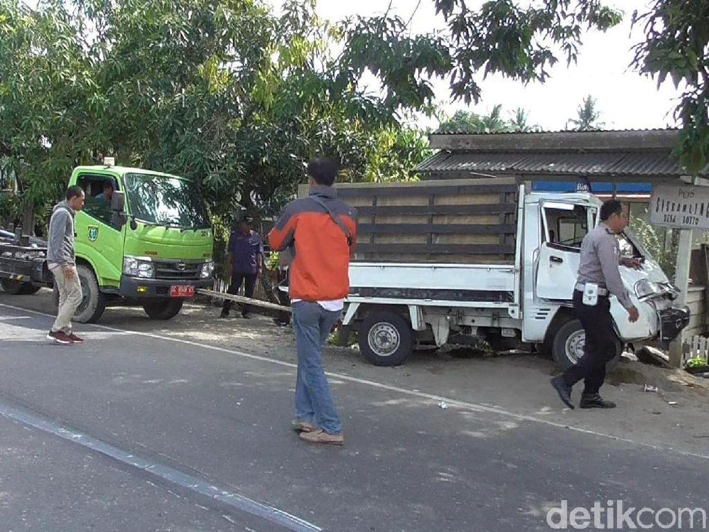 Video Kecelakaan Beruntun di Polman, 2 Orang Terjepit Badan Mobil