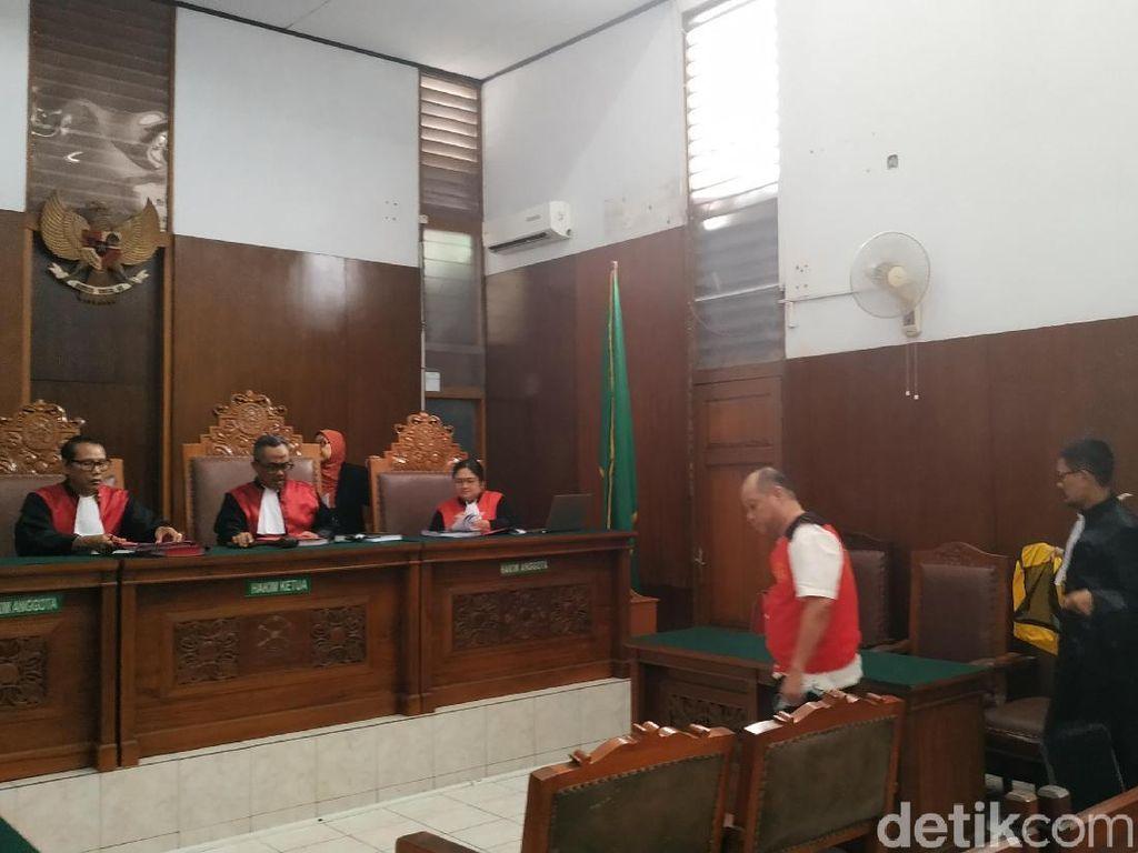 Saksi Jelaskan Penyerahan Barang Bukti Eks Kapolsek Kebayoran Baru