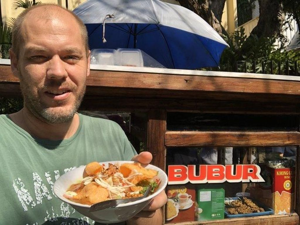 Sebut Bubur Ayam Lebih Enak dari English Breakfast, Bule Ini Banjir Pujian