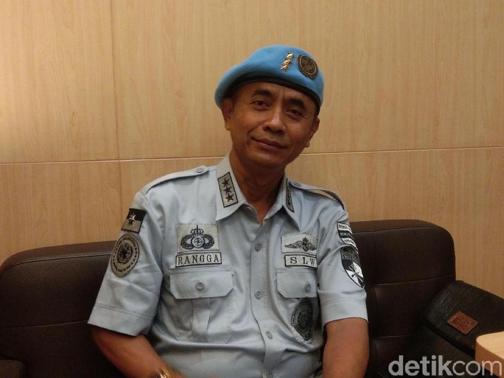 Raden Rangga: Pakai Seragam Bicara Tangkal Nuklir Kini Lesu Berbaju Tahanan