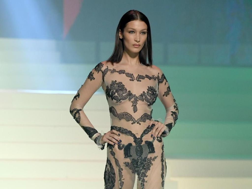 Heboh Kabar Bella Hadid Dilecehkan Petinggi Victorias Secret
