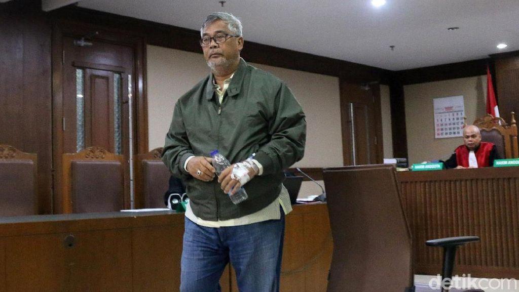 Akil Mochtar Bersaksi di Sidang TPPU Muhtar Ependy