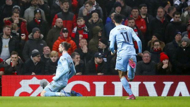 Jay Rodriguez merayakan gol ke gawang MU usai melewati Harry Maguire.