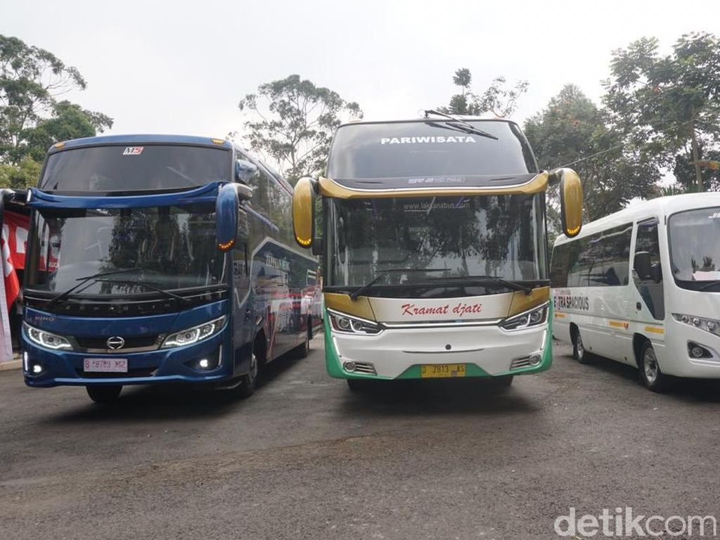 42 Bus Ini Capai 1 Juta Kilometer Tanpa Turun Mesin