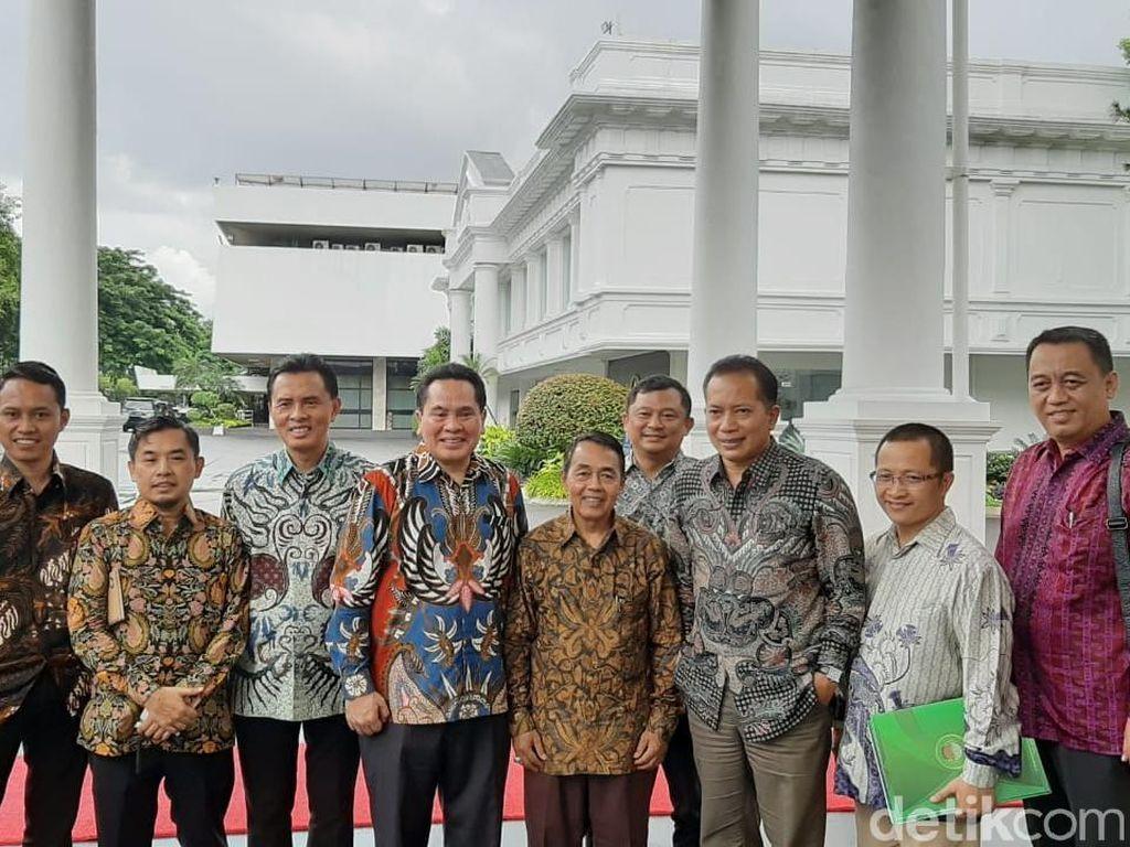 Pedagang Pasar Ngeluh ke Jokowi Dikepung Ritel Modern