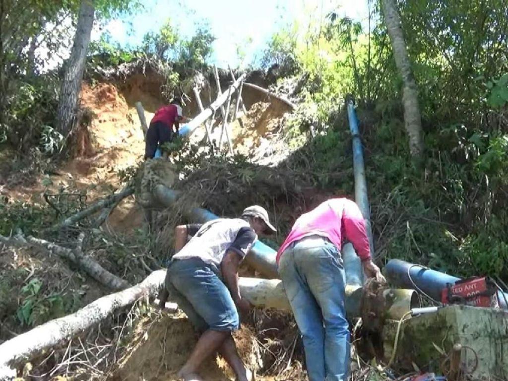 Warga Mamasa Sulbar Krisis Air Bersih Akibat Tanah Longsor