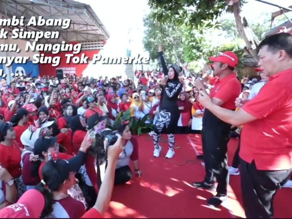 Kala FX Rudy Nyanyi: Dudu Klambi Abang, Nanging Klambi Anyar...