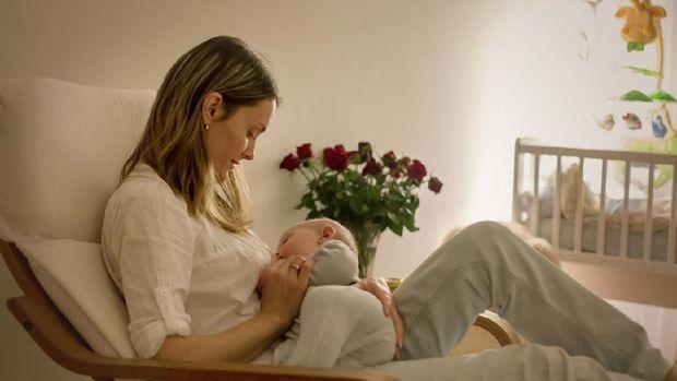 3 Tanda Hamil Muda Saat Bunda Masih Menyusui