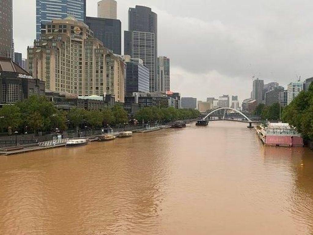 Melbourne Diguyur Air Hujan Lumpur yang Berwarna Cokelat