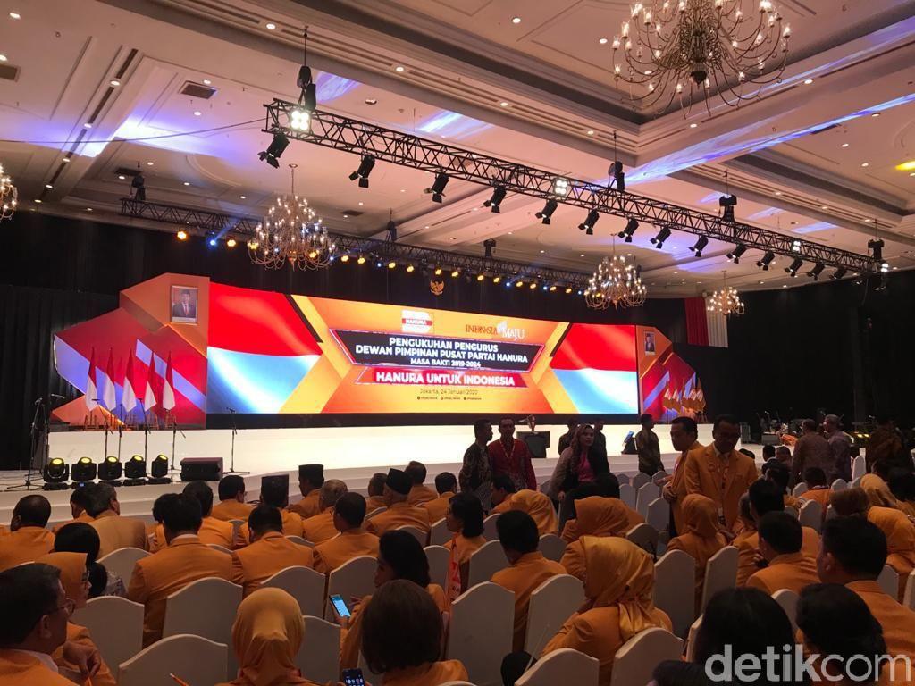 OSO Kukuhkan Struktur DPP Hanura, Ini Susunannya
