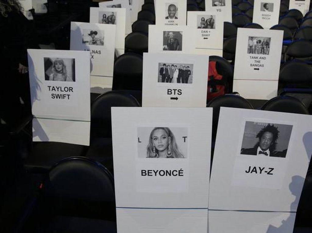 Heboh! BTS Duduk di Belakang Beyonce di Grammy Awards 2020