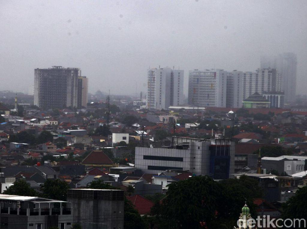 Jakarta Diguyur Hujan, Ini Alasan Orang Mudah Sakit di Musim Hujan