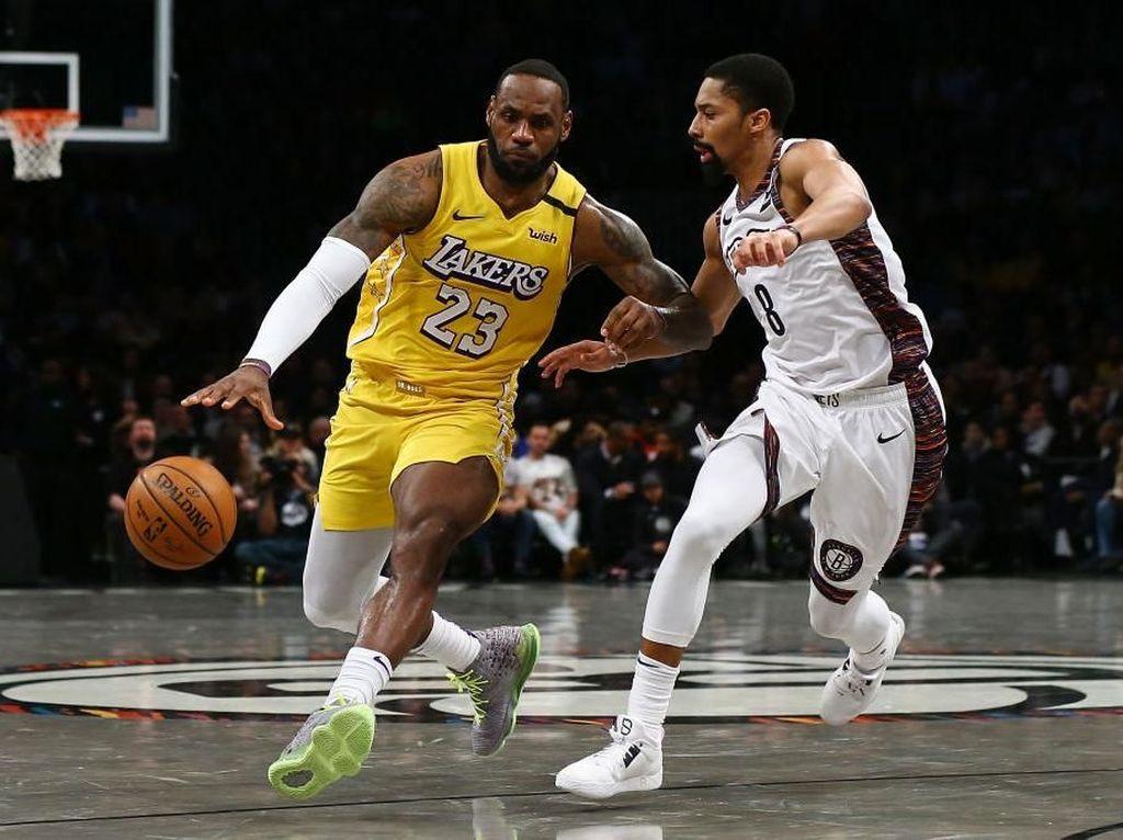 Hasil NBA: LeBron James Triple-Double, Lakers Tundukkan Nets