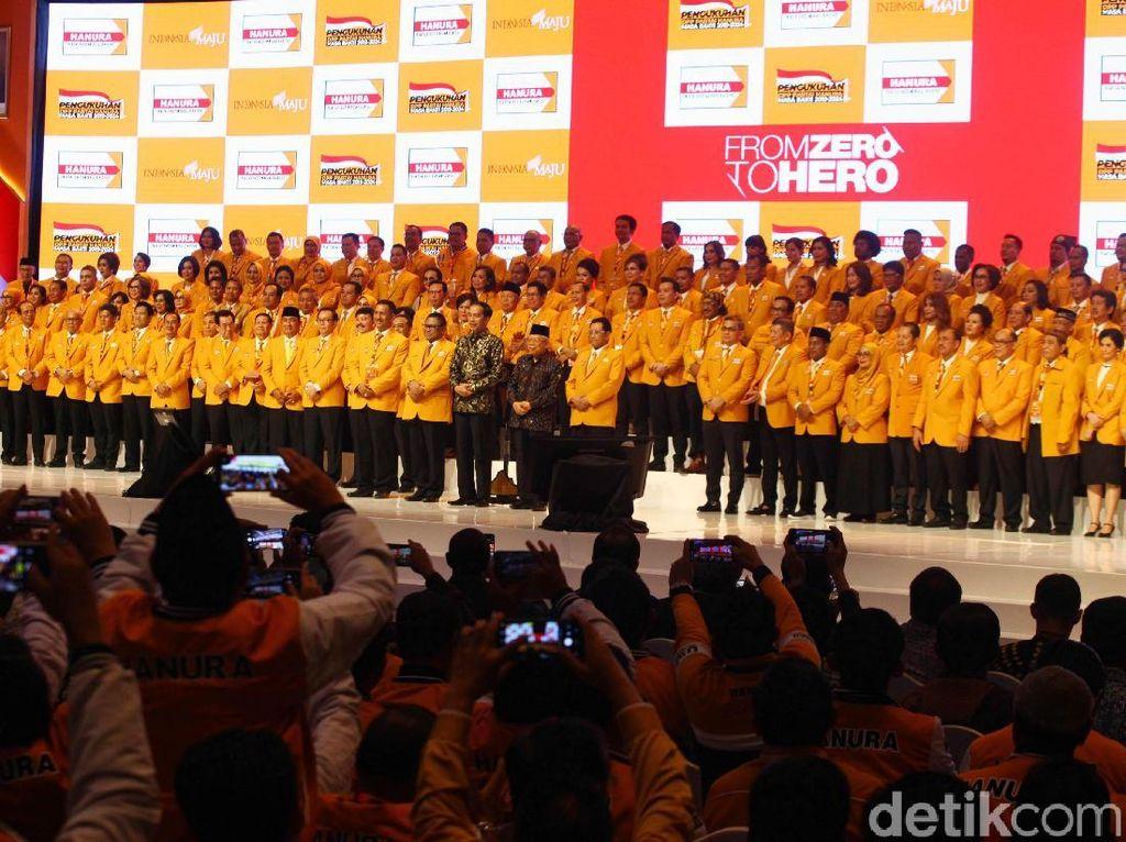 Jokowi-Maruf Hadiri Pengukuhan Pengurus DPP Hanura