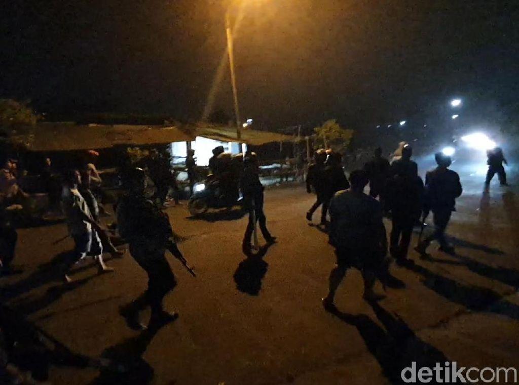 Bentrok Kelompok Massa di Sukabumi, Polisi Halau Pria Bersenjata Tajam