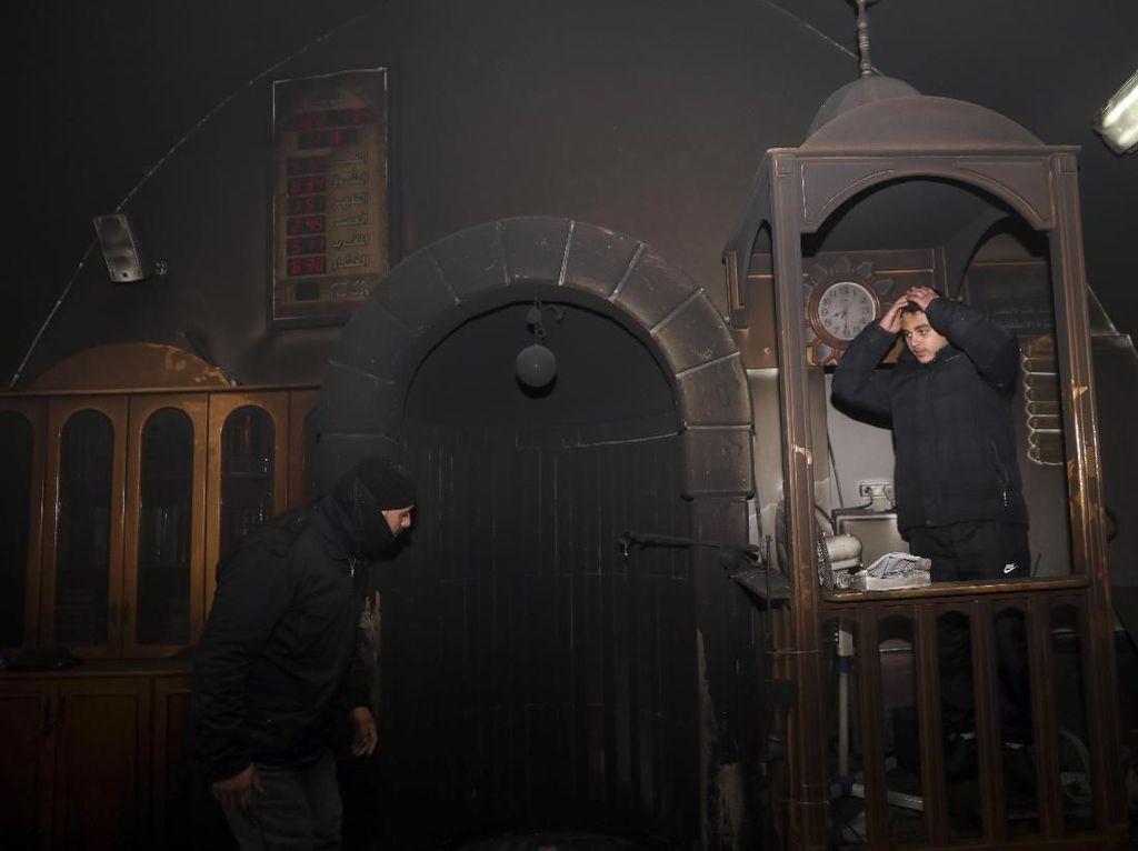 Polisi Israel Buru Pelaku Pembakaran Masjid di Yerusalem Timur