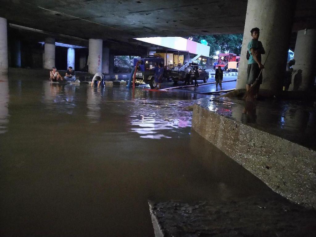 Mulai Surut, Banjir di Underpass Kemayoran Kurang dari 1 Meter