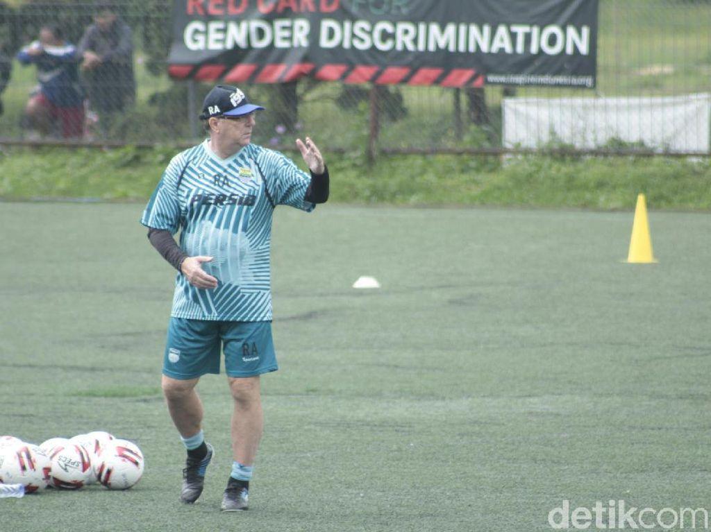 Persib Bandung Intensifkan Latihan Mandiri, Ini Alasannya