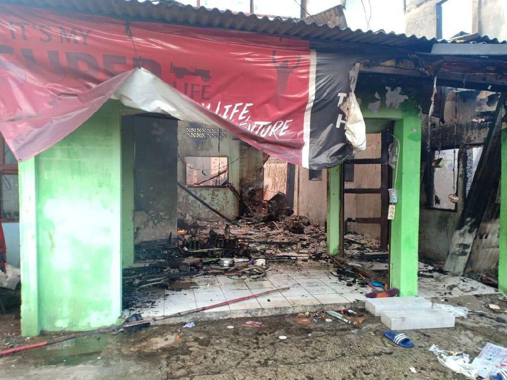 Korban Tewas Kebakaran di Peninggaran Timur Terjebak di Kamar Mandi
