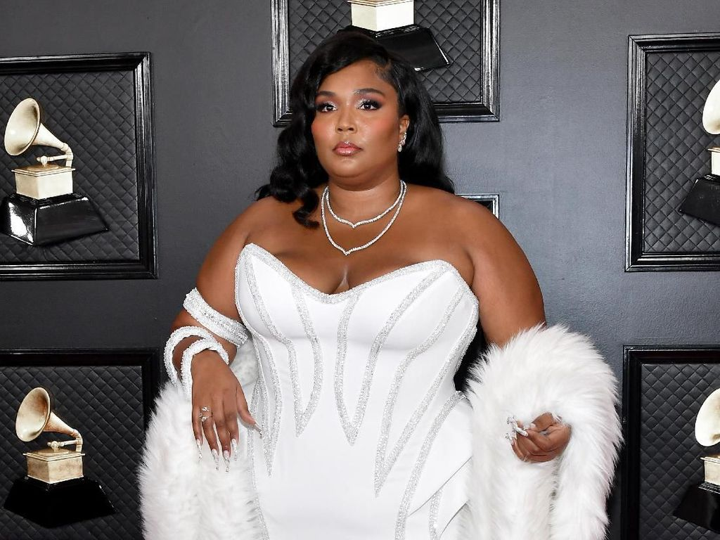 Lizzo Hingga Billie Eilish Masuk Daftar Best-Dressed Grammy Awards 2020