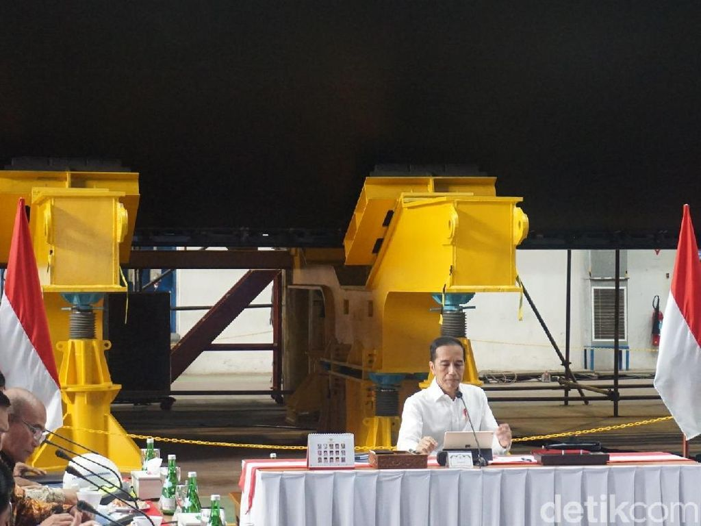 Cerita soal Perubahan PT PAL, Jokowi: Saya Ini Orang Pabrik
