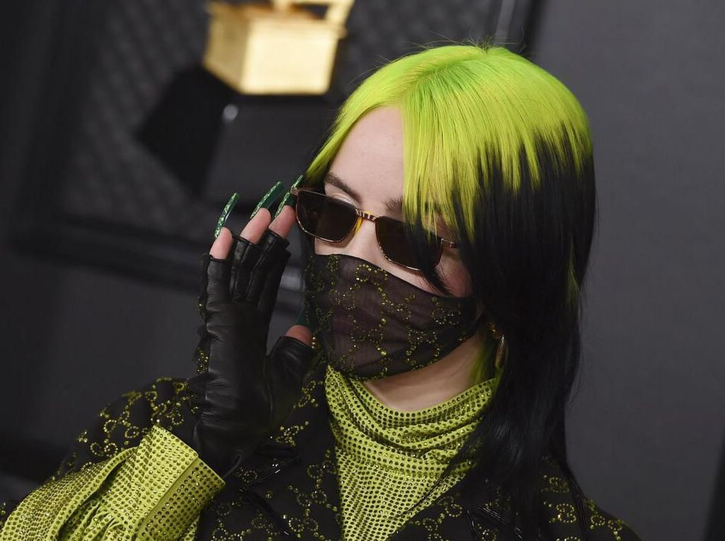Billie Eilish Pakai Masker di Grammy Awards 2020, Takut Kena Virus Corona?