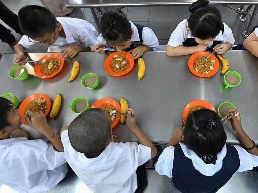 Pemerintah Malaysia Punya Program Makan Gratis untuk Pelajar Miskin di Sekolah