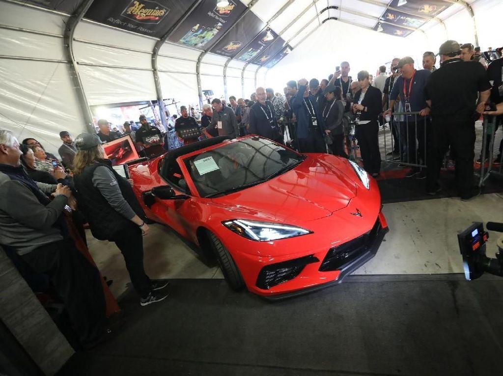 Chevrolet Corvette C8 Produksi Pertama, Ditebus Rp 40 Miliar