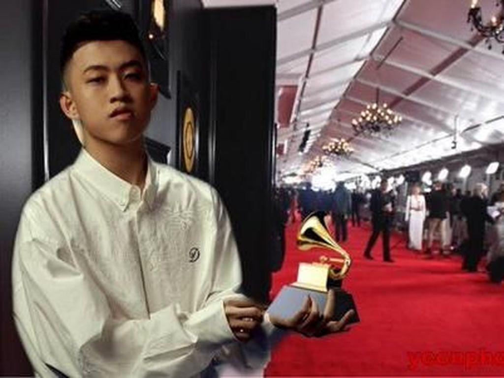 Ini Jadinya Kalau Rich Brian Bawa Piala Grammy