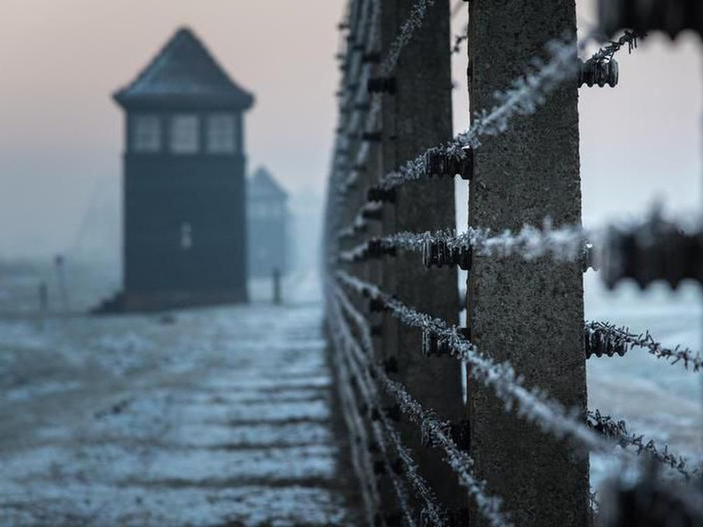 Auschwitz,  Sejarah Hitam Kemanusiaan