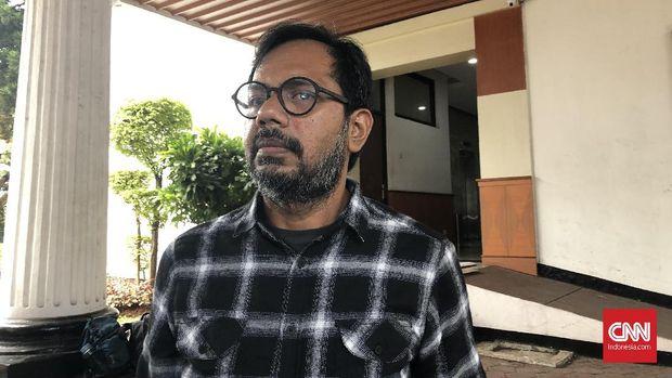 Pendiri Lokataru Foundation Haris Azhar menyambangi Kejaksaan Agung, Senin (27/1)