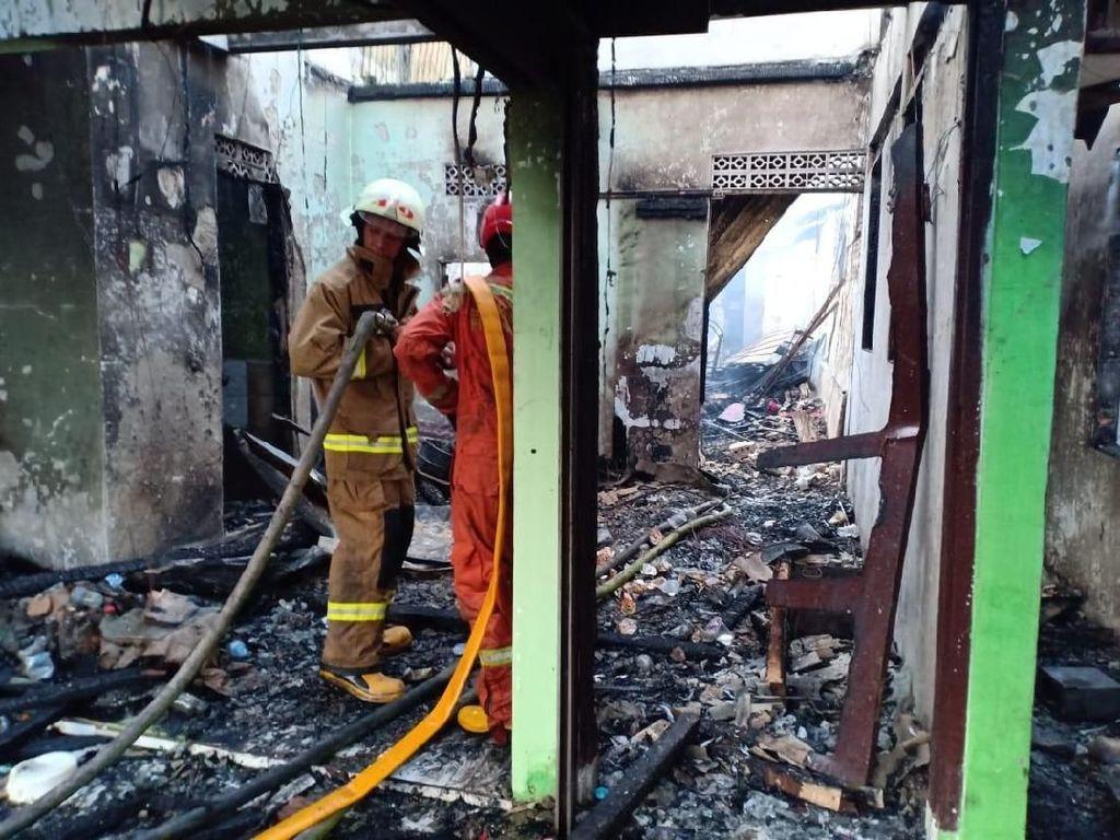 Ayah Tewas dalam Kebakaran di Peninggaran Timur, Anak Histeris