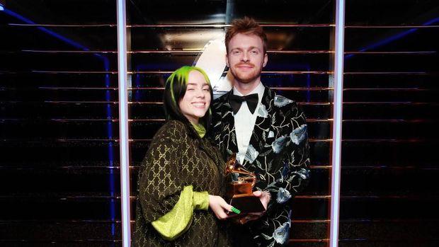 Billie Eilish Sapu Bersih Piala Utama Grammy Awards 2020