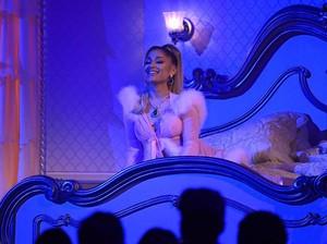 Album Positions Ariana Grande Disebut Tentang Pacar Baru
