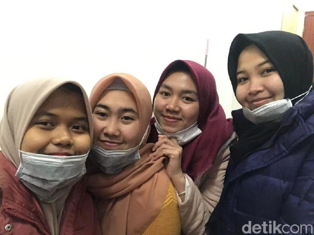 Khofifah Upayakan Opsi Pemulangan 12 Mahasiswi Jatim di Wuhan