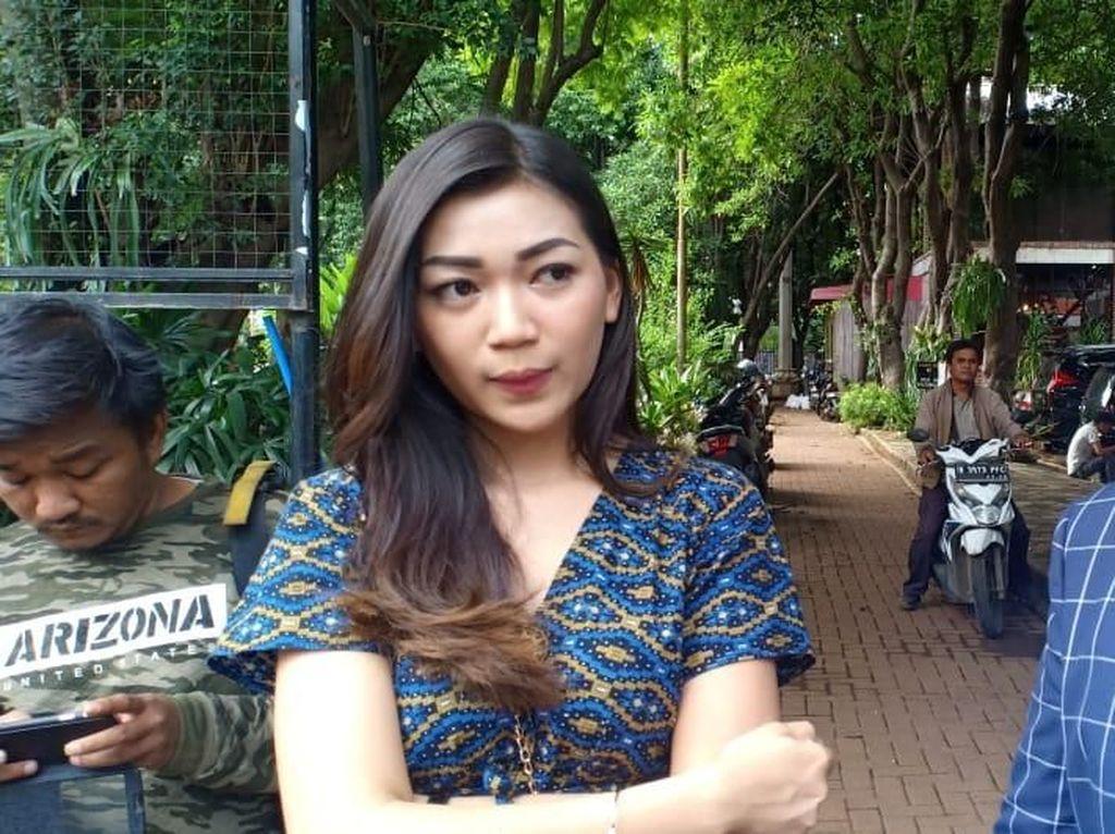 Cyndyana Lorens, Adik Kriss Hatta Diperiksa Polisi Terkait Tudingan Gundik
