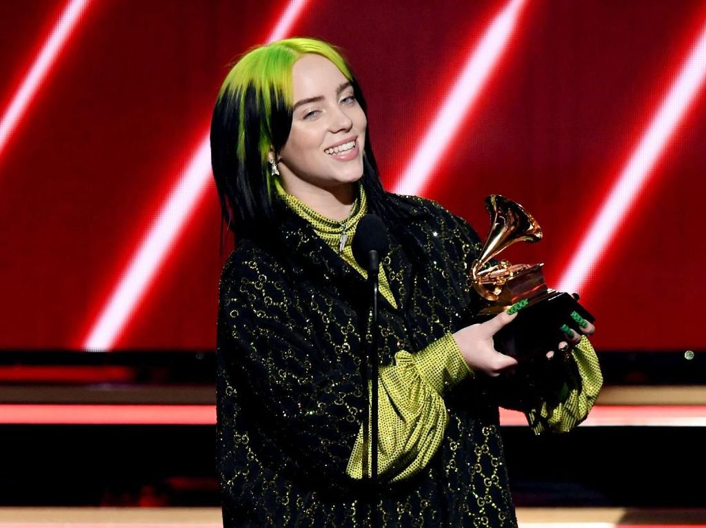 Sabet 5 Piala, Billie Eilish Perkasa di Grammy Awards 2020