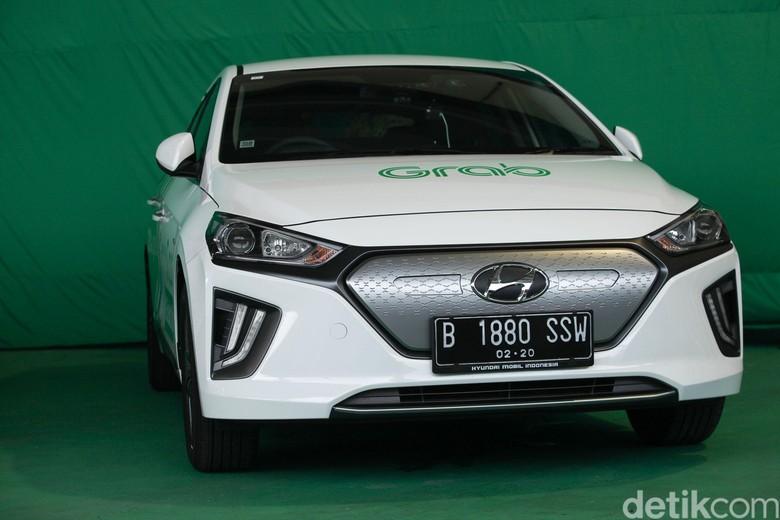 8700 Mobil Listrik Korea HD Terbaru