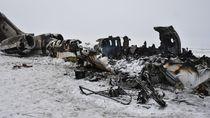 Potret Pesawat Jatuh dan Terbakar yang Diklaim Taliban Milik AS