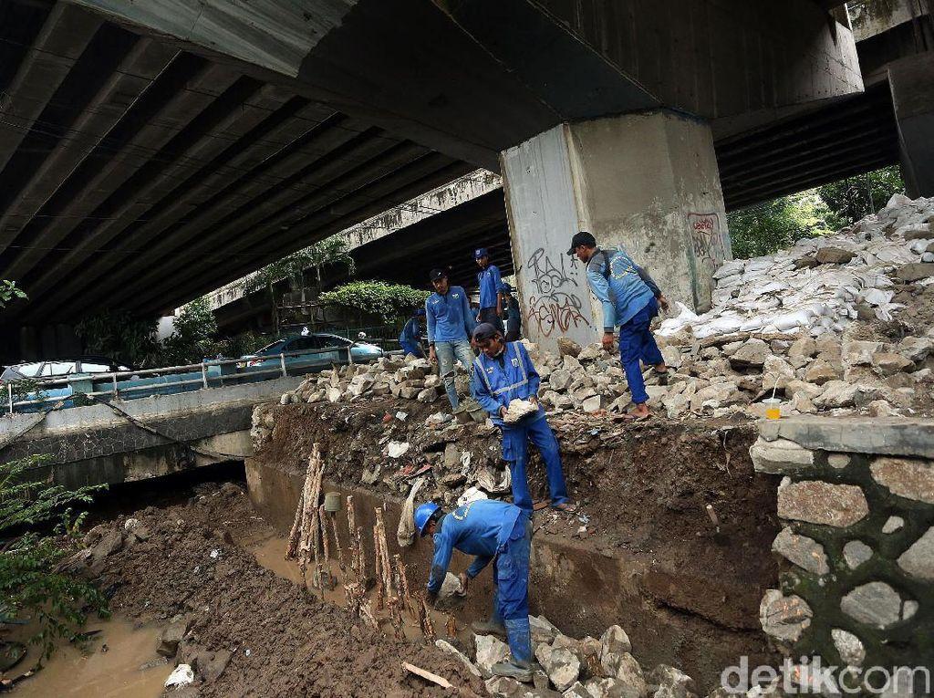 Antisipasi Banjir, Tanggul Latuharhary Diperkuat