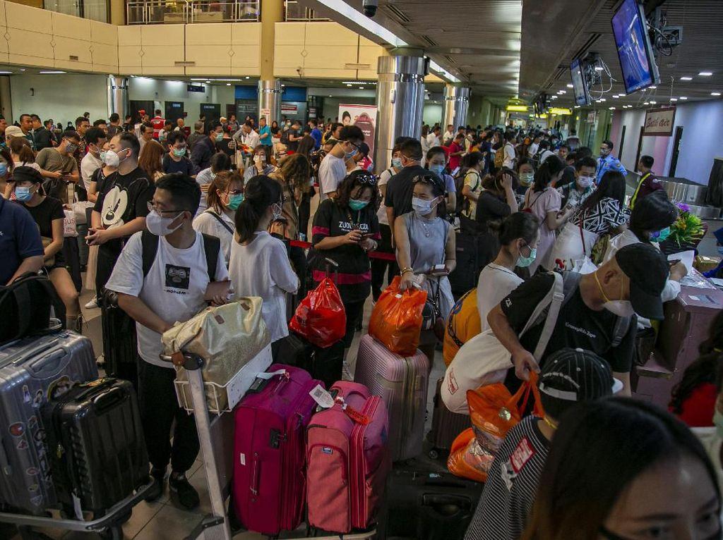 Ratusan Wisatawan China Dipulangkan dari Batam