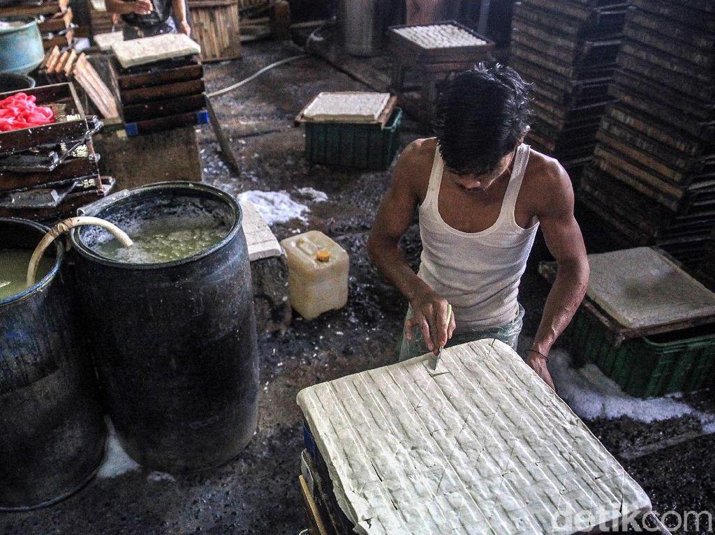 Menengok Proses Pembuatan Tahu di Pondok Labu