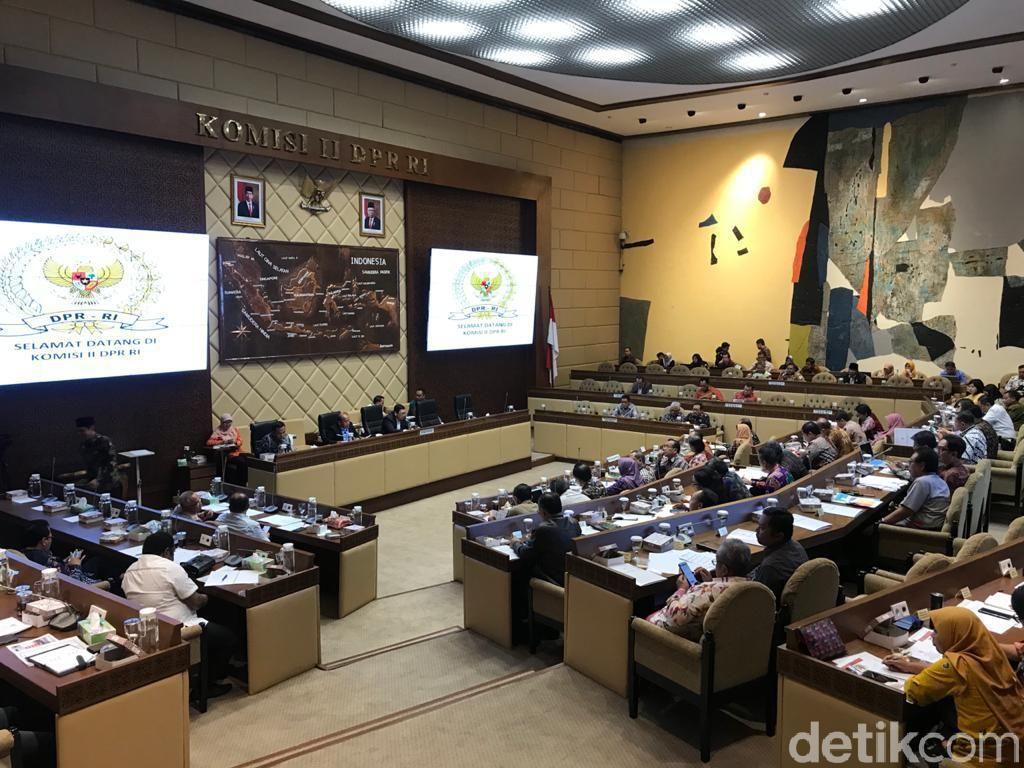Komisi II: Kantor Setneg-Pemprov DKI Hanya Dipisahkan Monas, Koordinasi!