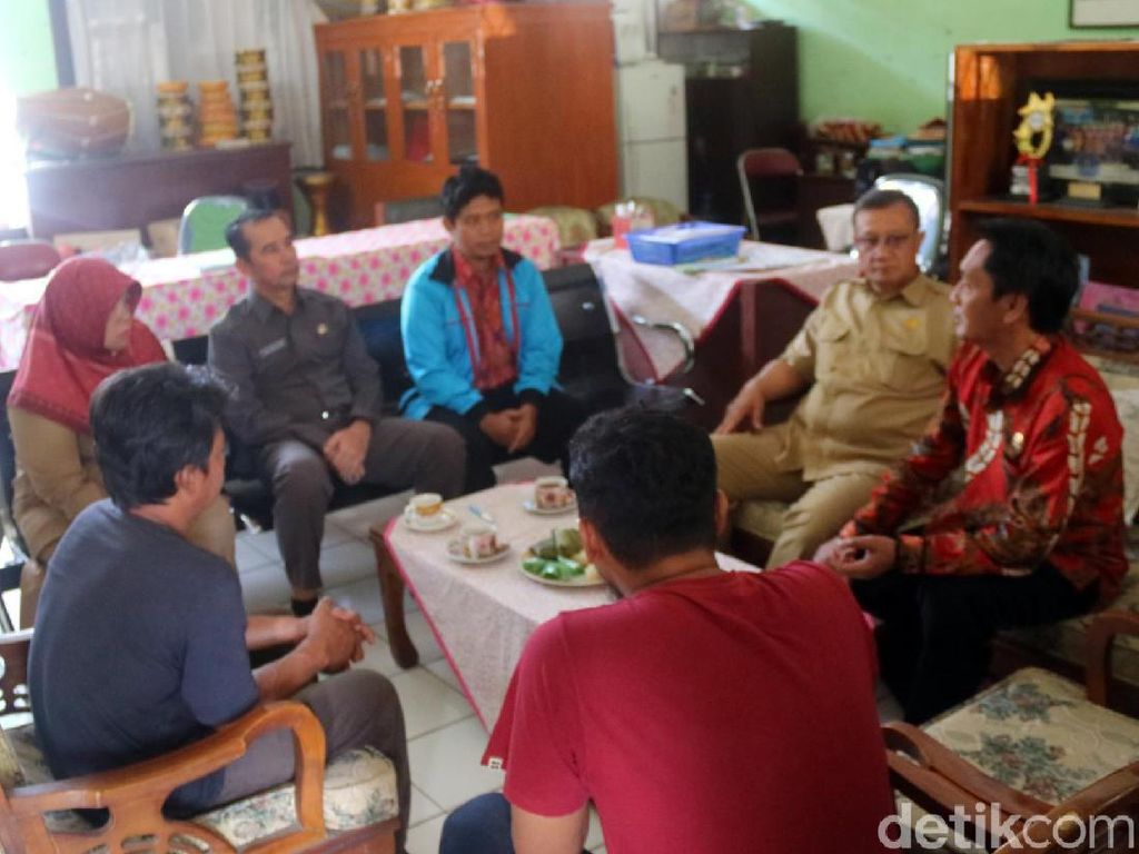 Guru Honorer SD Benteng 3 Sukabumi Pukul Siswa, Ortu Geruduk Sekolah