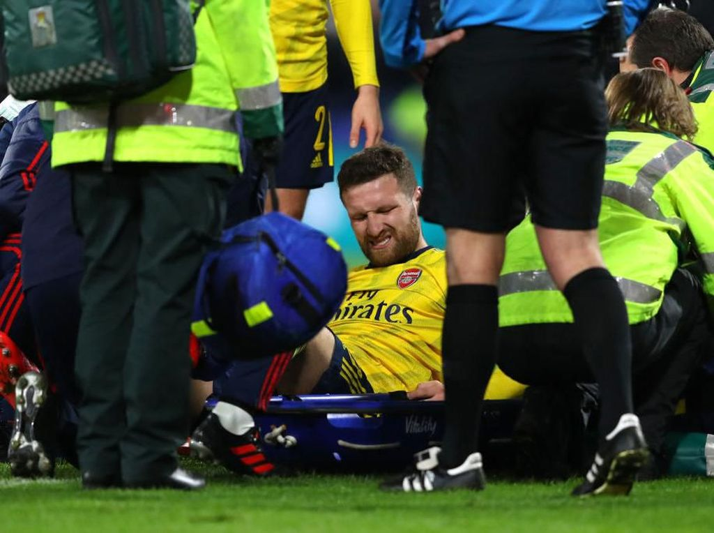 Mustafi Cedera, Arsenal Tak Ubah Rencana Transfer