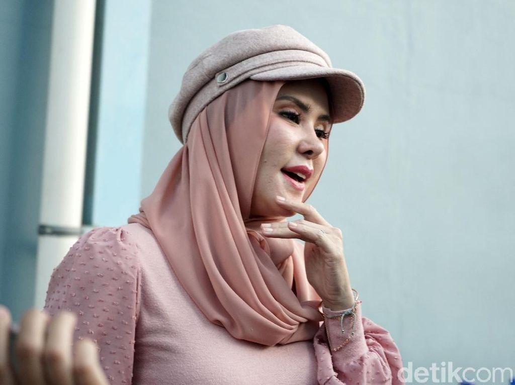 Pengacara Vicky: Kasus Dugaan Perzinaan Angel Lelga Bisa Dibuka Lagi